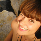 Anouck a talented voice recommended for DirectVoices